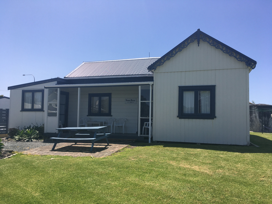 pukenui lodge motel-far north-historic house